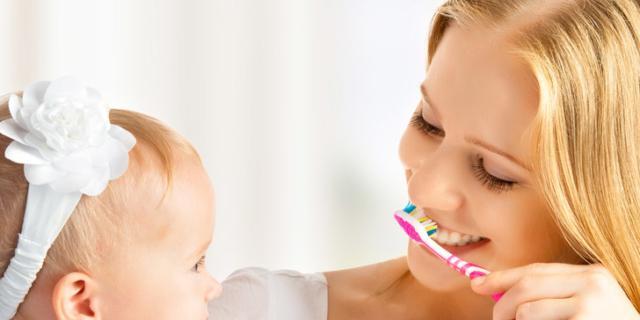 Denti da latte: attenzione ai dentifrici al fluoro
