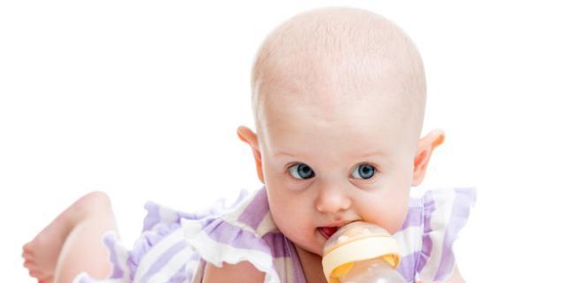 Latte artificiale: diverso per maschi e femmine?