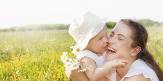 Scottature bimbi: il rischio c'è anche in primavera