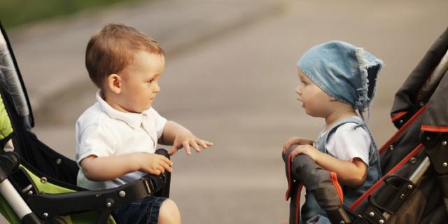 Troppo tempo sul passeggino può creare problemi di linguaggio