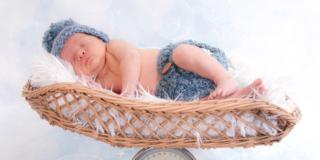 Prime settimane: perché il peso del neonato non aumenta?