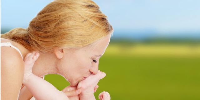I consigli dei neonatologi per l'estate dei neonati