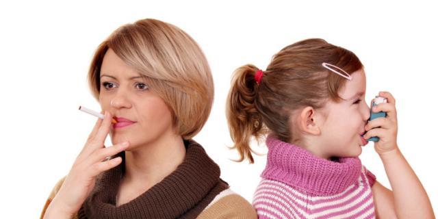 Problemi respiratori: 1 volta su 5 è colpa del fumo passivo