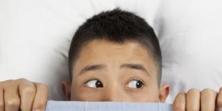 Enuresi notturna: il 4,6% degli adolescenti bagna ancora il letto