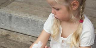 Dermatite atopica: sintomi e cure della malattia pediatrica più comune
