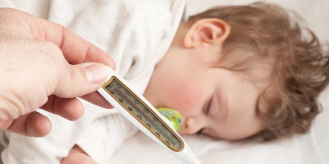 Vaccinazioni: perché può venire la febbre?