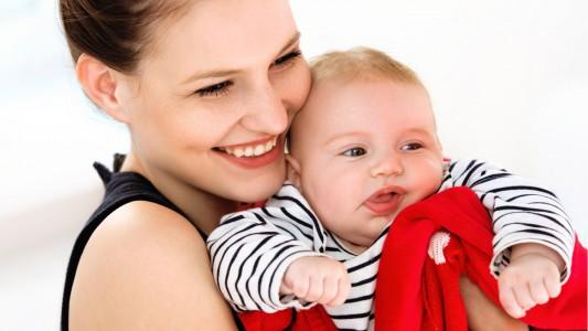 Bebè: il cervello impara a parlare già nei primi mesi di vita