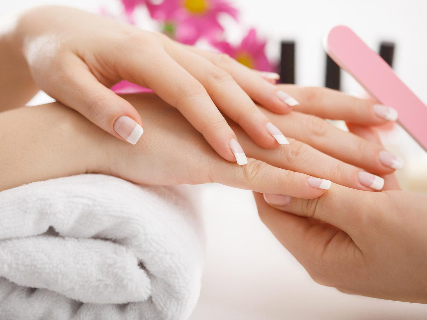 Manicure In Gravidanza Si Può Fare Ma Con Le Giuste Attenzioni