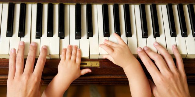 Perché cantare ai bambini stimola capacità cognitive