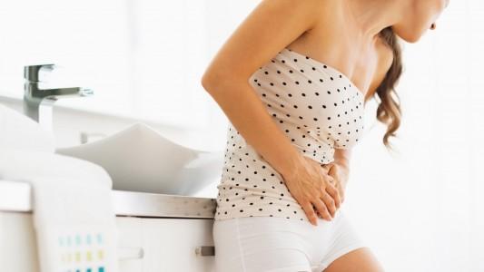 Nausea e vomito in gravidanza, buon segno: cosa fare e cosa mangiare