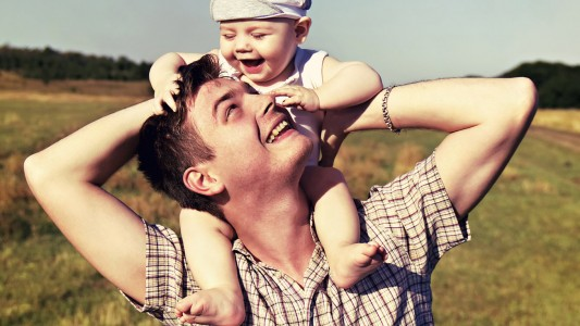 Papà 2.0: come è bello occuparsi del bebè
