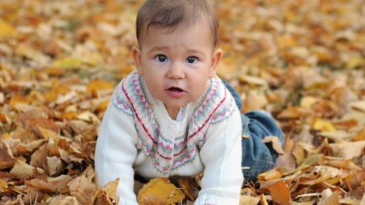 Gattonare: i bimbi nati in inverno lo fanno in anticipo