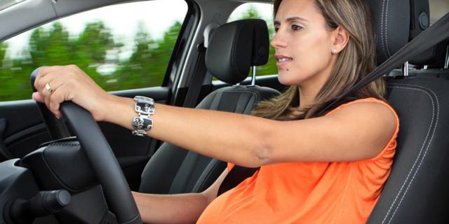 Posso evitare la cintura di sicurezza in gravidanza?