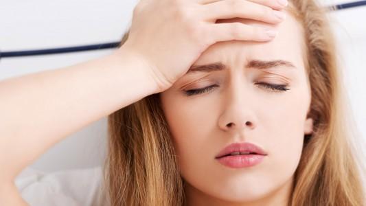 Troppo stress sul lavoro. Allarme mal di testa per una donna su cinque