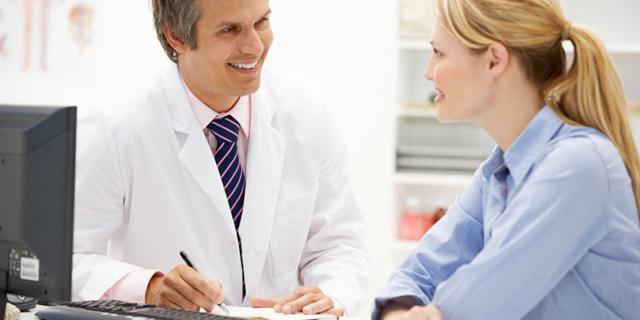 medico ginecologo visita