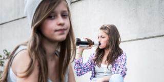 Alcol e adolescenti: è boom di sbornie