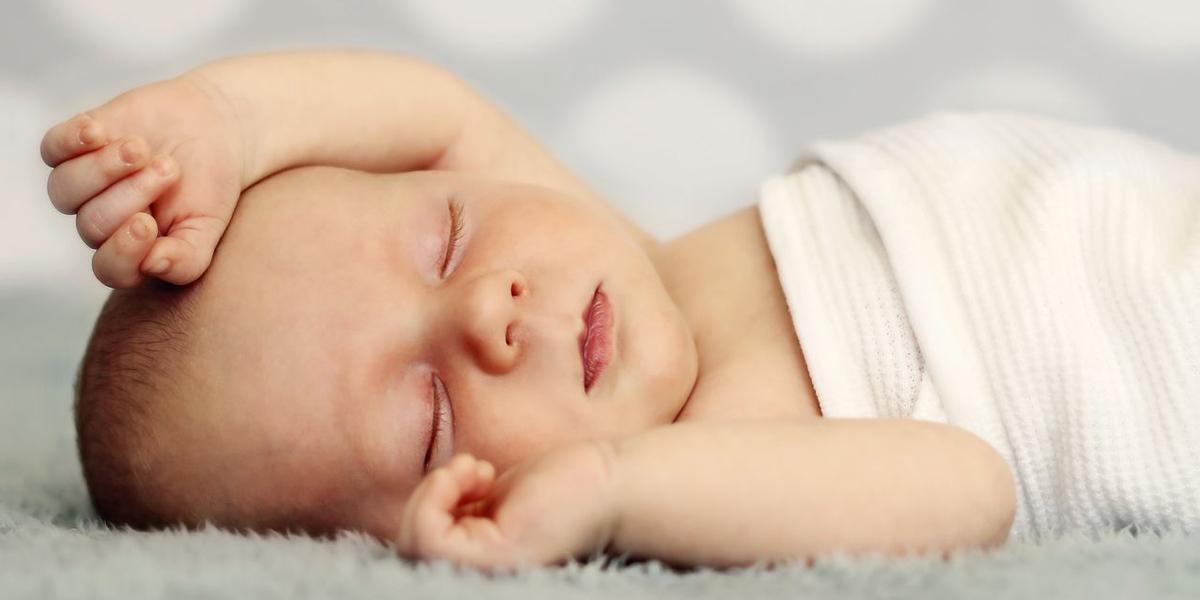neonato dorme primo mese