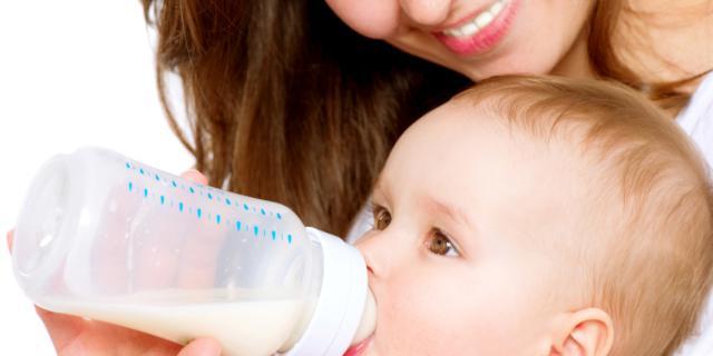 Allattamento Del Neonato Al Seno Latte Artificiale Disturbi