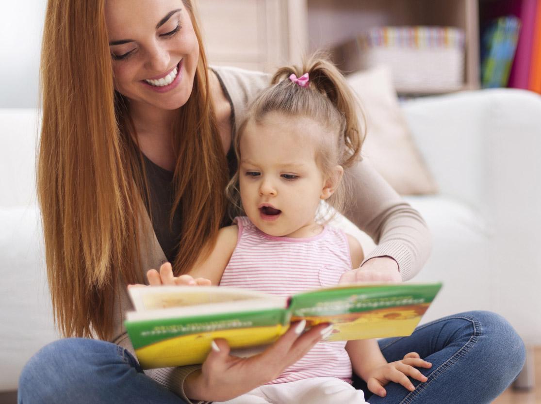 Raccontare fiabe e favole al bambino bimbi sani e belli - Foto di bambini piccoli ...