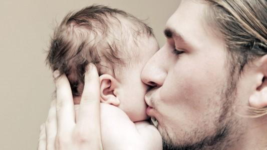 Consigli per il papà: come instaurare un legame profondo con il bebè