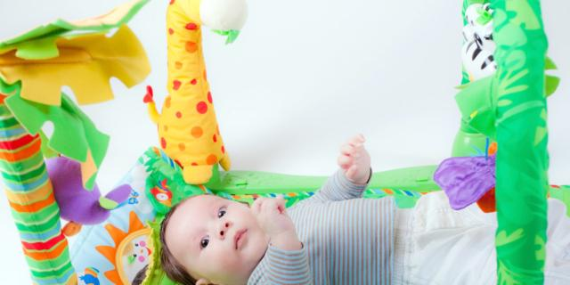 """Neonati prematuri: meno rischi con la """"palestrina intelligente"""""""