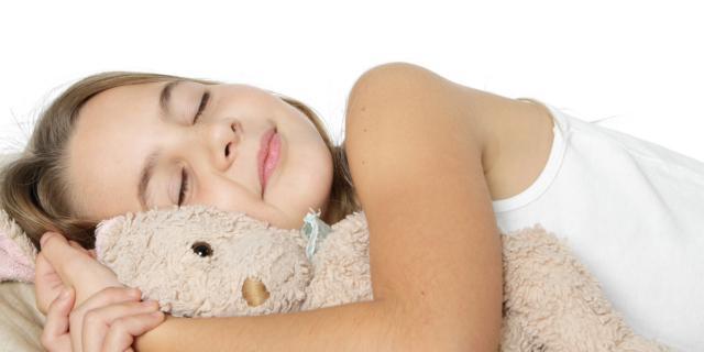 Sonno: come capire se il bambino respira bene