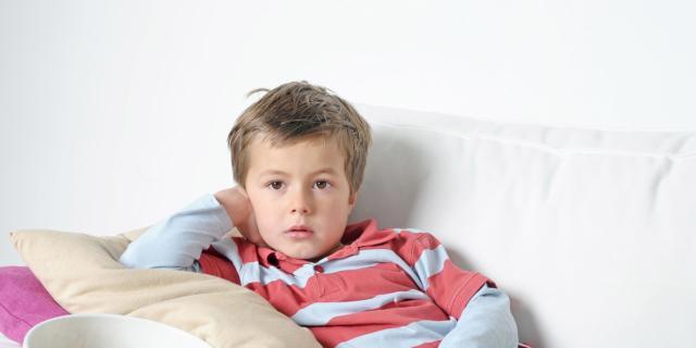 Bambini e troppa tv: danni anche da adulti!