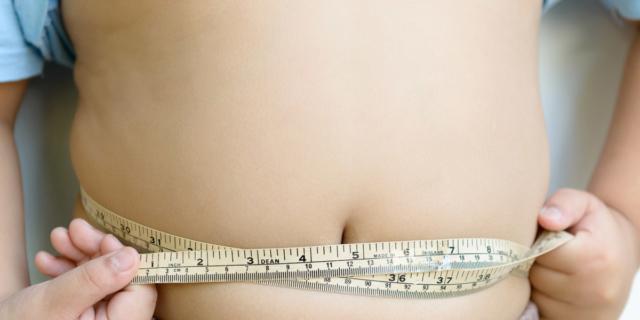 Obesità infantile: i genitori non riconoscono il problema