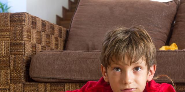 Se il piccolo guarda troppa Tv, da grande sarà sedentario?