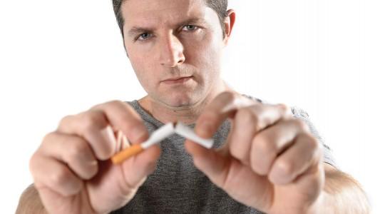 Danni del fumo: è allarme per lui