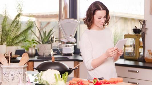 Batteri in cucina, attenzione a strofinacci e cellulari