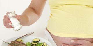 Iodio: 1 donna su 3 non sa che in gravidanza ne serve di più