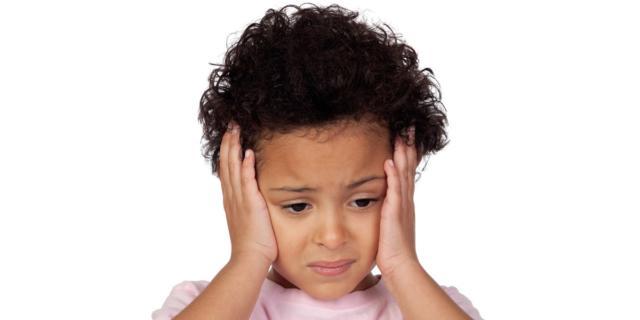 Mal di testa: a rischio anche i bambini. Cause e rimedi