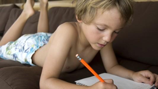 """Compiti delle vacanze: un """"incubo"""" per oltre 6 milioni di alunni"""