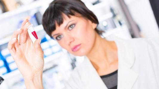Un prelievo di sangue scopre le malattie cromosomiche del bebè
