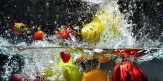 Ecco come eliminare i pesticidi da frutta e verdura
