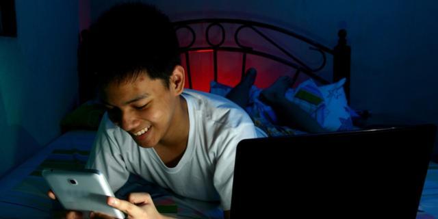 """Giovani troppo """"social"""" a rischio depressione"""