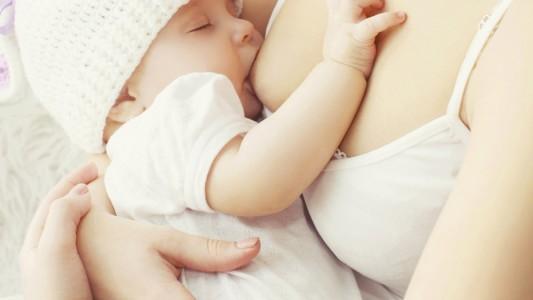 Allattamento al seno: fa anche dimagrire!