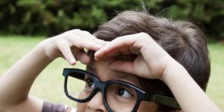 Correzione miopia: ai bambini basta stare all'aria aperta?