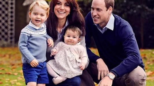 William e Kate: le famiglie reali fanno gli auguri così