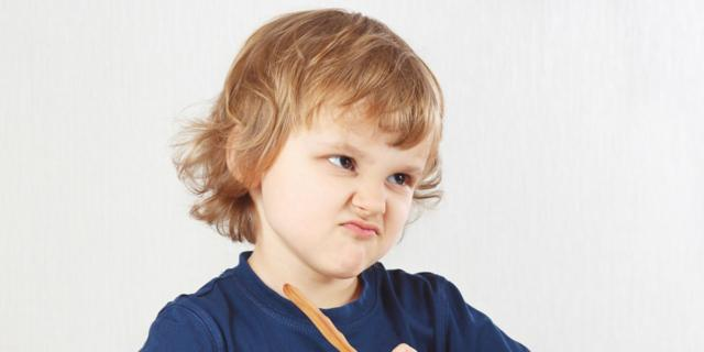 Il bambino si rifiuta di mangiare? 10 regole da ricordare