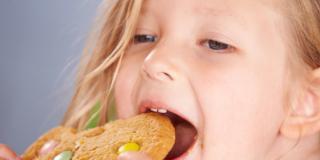 Malattie: bambini sempre più uguali agli adulti