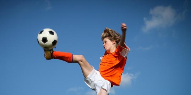 Calcio: stop ai colpi di testa sotto i 10 anni