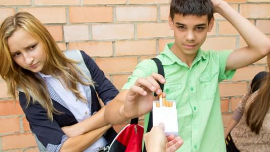 Fumo: vizio sempre più diffuso tra i giovani