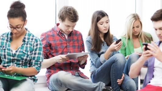 Dipendenza da internet: è il problema degli adolescenti di oggi