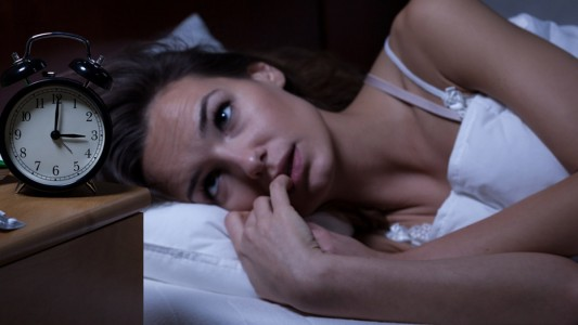 Sonno: gli italiani mangiano male e dormono peggio