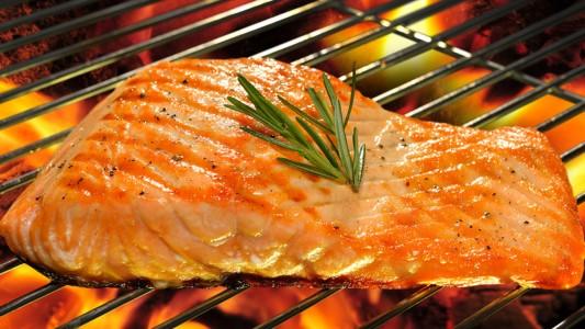 Vuoi dimagrire? Mangia il pesce grasso