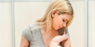 Cancro al seno: spesso si scopre in gravidanza o durante l'allattamento