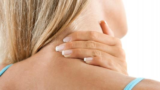 Cervicale e mal di schiena: colpiscono più gli uomini o le donne?