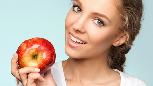 Una mela al giorno… la scienza conferma